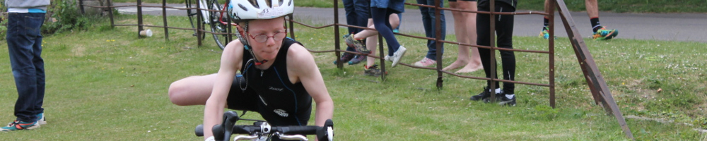 Tristar dismount at transition in a race